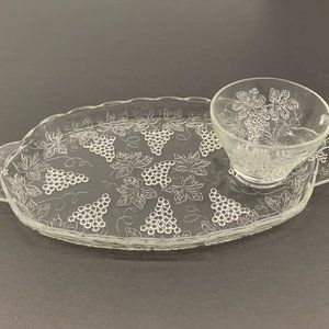 GRAPE HARVEST, CLEAR GLASS SNACK SNACK TRAY + CUP